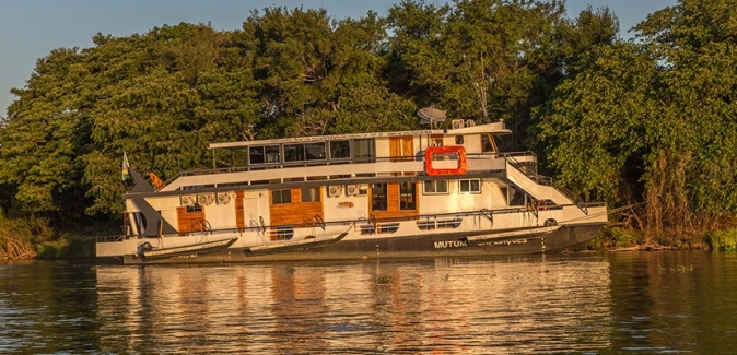 Barco Mutum Expedições - Fotos do Local