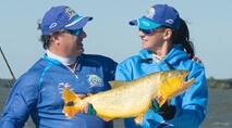 - Pescaria de dourados e piaparas no rio Paraná