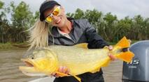 Elas na Pesca - Peixe dourado, rei do rio, na Argentina